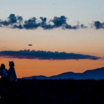 Photographe et Modèle dans le champs de lavande au lever du jour - Valensole - France
