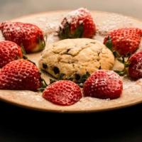Cookie pepites de chocolat et fraises fraîches - St Martin de Crau - France_